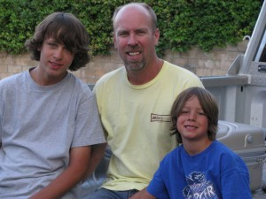Kyle Paulson and his children - Kyle and Kyler